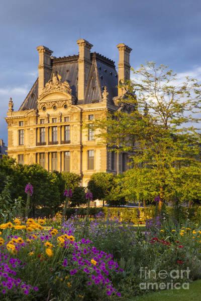 Jardin Des Tuileries Photograph - Musee Du Louvre by Brian Jannsen