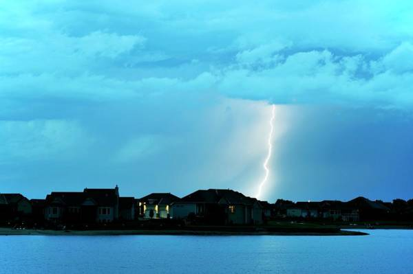 Wall Art - Photograph - Lightning Bolt by Jim Reed Photography/science Photo Library