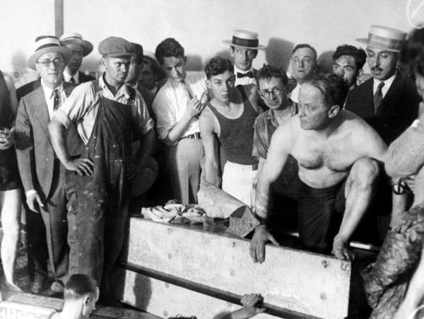 Photograph - Harry Houdini (1874-1926) by Granger
