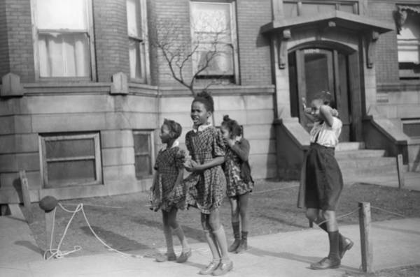 Wall Art - Photograph - Chicago Children, 1941 by Granger