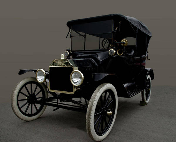 Photograph - 1915 Ford Model T by Tim McCullough