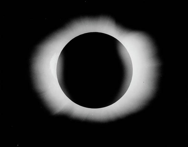 Wall Art - Photograph - 1919 Solar Eclipse by Royal Astronomical Society/science Photo Library