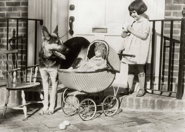 Doll House Photograph - 1920s Smiling Little Girl Watched by Animal Images