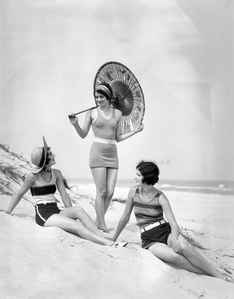 Wall Art - Photograph - 1920s Three Smiling Women In Swimsuits by Vintage Images