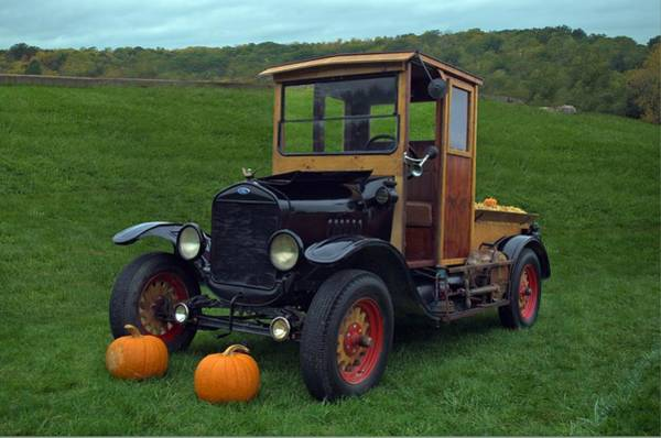 Photograph - 1922 Ford Model T Truck by Tim McCullough