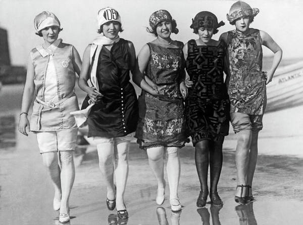 Photograph - 1924 Beauty Contestants by Underwood Archives