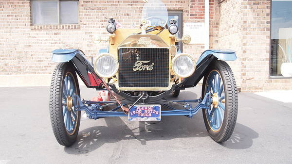Photograph - 1925 Ford by Emery Graham