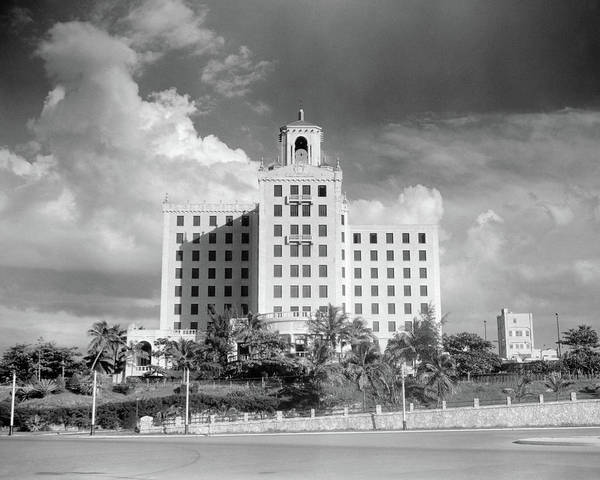 Malecon Wall Art - Photograph - 1930s 1940s The National Hotel Havana by Vintage Images