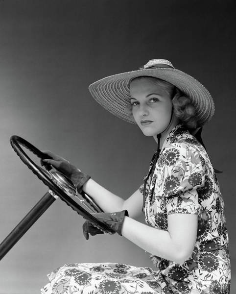 Self Confidence Photograph - 1930s 1940s Woman Wearing Straw Hat Sun by Vintage Images
