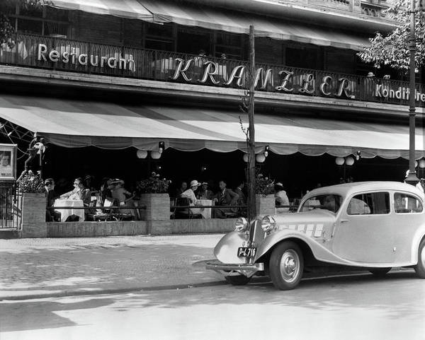 German Food Photograph - 1930s Cafe Kranzler Kurfurstendamm by Vintage Images