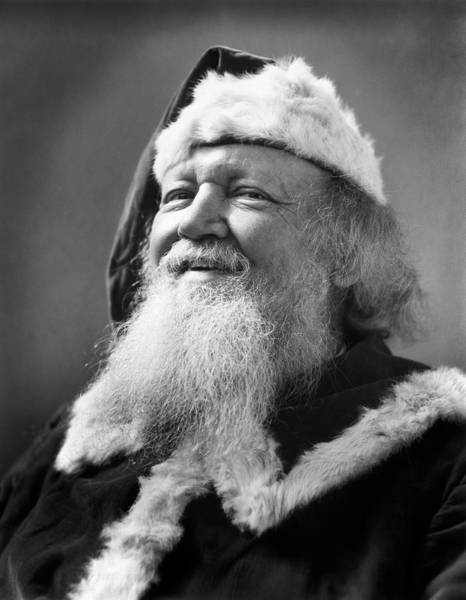 Jolly Holiday Photograph - 1930s Santa Claus Smiling Portrait by Vintage Images