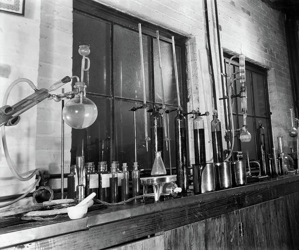 Wall Art - Photograph - 1930s Variety Of Glass Chemistry by Vintage Images