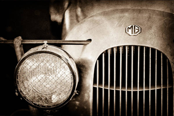 Mg Photograph - 1934 Mg Pa Midget Supercharged Special Speedster Grille - Emblem by Jill Reger