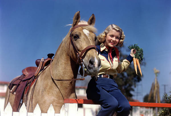 Palomino Photograph - 1940s 1950s Smiling Young Blonde by Animal Images