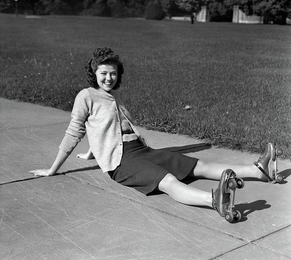 Wall Art - Photograph - 1940s Laughing Young Woman Teenage Girl by Vintage Images