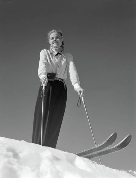 Wall Art - Photograph - 1940s Smiling Blond Woman Skier Poised by Vintage Images