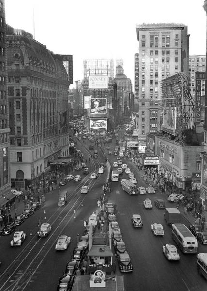 Crossroads Photograph - 1940s Times Square Looking North by Vintage Images