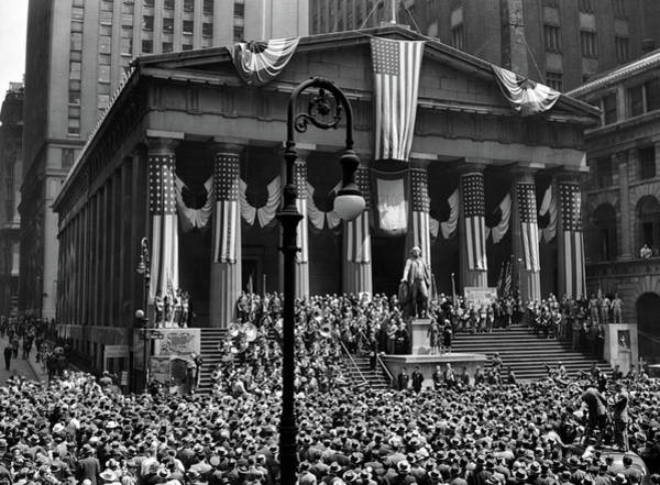 Bunting Photograph - 1942 Wwii War Bond Rally Federal by Vintage Images