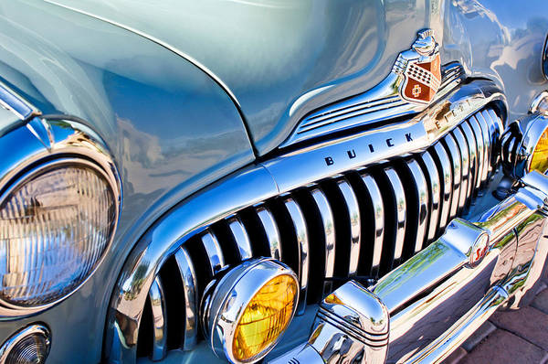 Super Cars Photograph - 1947 Buick Eight Super Grille Emblem by Jill Reger