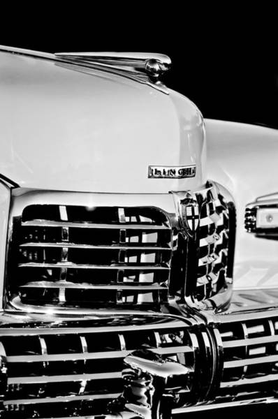 Cabriolet Photograph - 1948 Lincoln Continental Cabriolet Grille Emblem - Hood Ornament -0938bw by Jill Reger