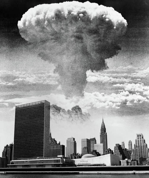 Holocaust Photograph - 1950s 1960s Mushroom Cloud Over United by Vintage Images