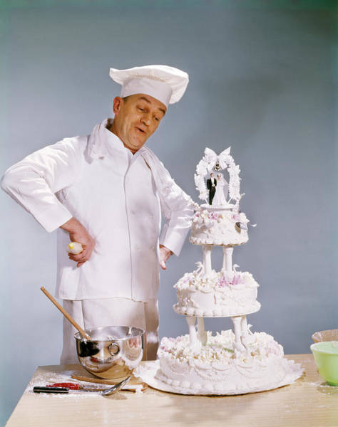 Wedding Cake Photograph - 1950s Chef Looking At Wedding Cake by Vintage Images