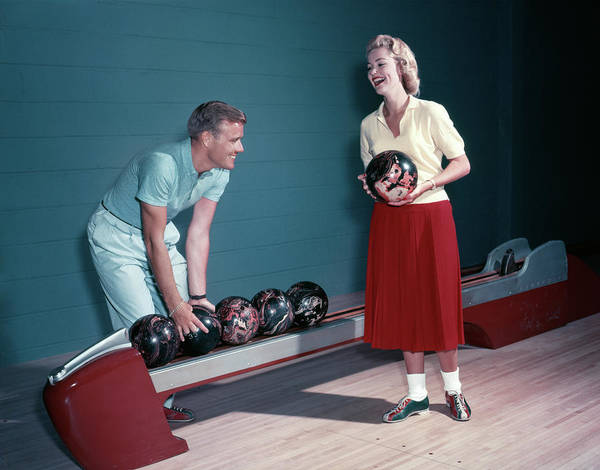 Ten Pin Bowling Wall Art - Photograph - 1950s Smiling Couple Husband Wife by Vintage Images