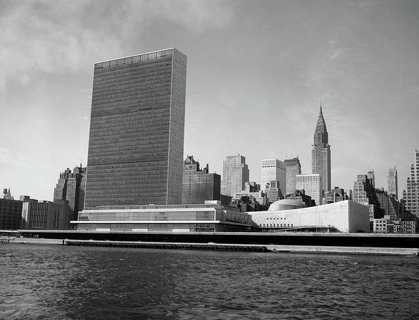 United States Territory Photograph - 1950s View Of United Nations Building by Vintage Images