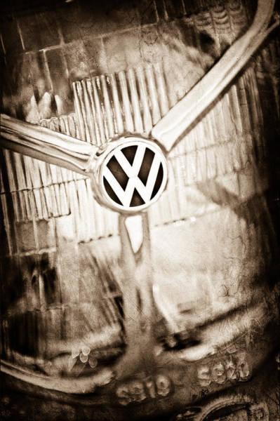 Volkswagen Photograph - 1956 Volkswagen Vw Headlight Emblem by Jill Reger