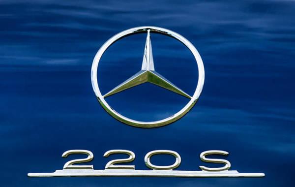 Wall Art - Photograph - 1958 Mercedes-benz 220s Cabriolet Emblem by Jill Reger