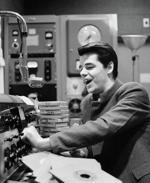 Wall Art - Photograph - 1960s Radio Disc Jockey In Studio by Vintage Images