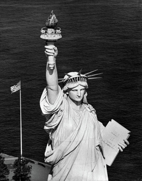 Statue Of Liberty National Monument Wall Art - Photograph - 1960s Statue Of Liberty Shown by Vintage Images