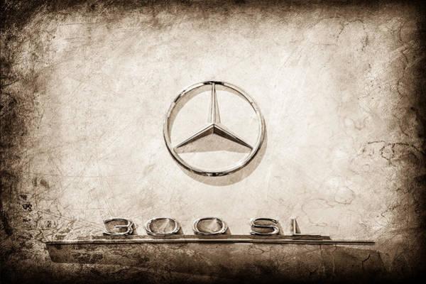 Mercedes-benz 300 Sl Wall Art - Photograph - 1961 Mercedes Benz 300sl Roadster Emblem -0585s by Jill Reger