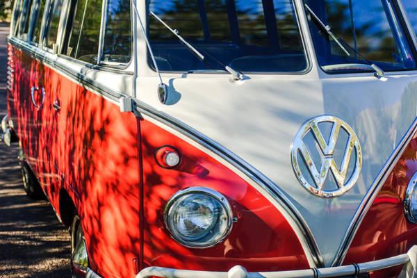 Volkswagen Photograph - 1961 Volkswagen Vw 23-window Deluxe Station Wagon Emblem by Jill Reger