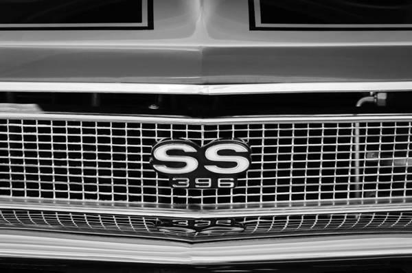 Chevy Chevelle Wall Art - Photograph - 1968 Chevrolet Chevelle Ss 396 Grille Emblem by Jill Reger