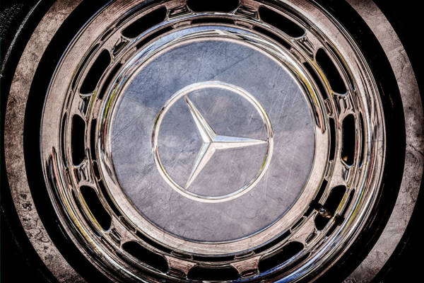 Wall Art - Photograph - 1968 Mercedes-benz 280 Sl Roadster Wheel Emblem -0925ac by Jill Reger