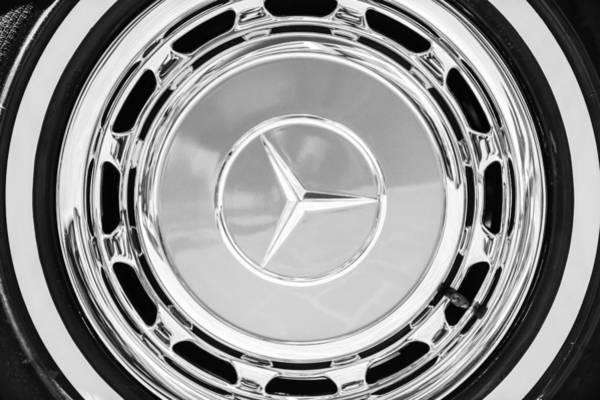 Wall Art - Photograph - 1968 Mercedes-benz 280 Sl Roadster Wheel Emblem -0925bw by Jill Reger