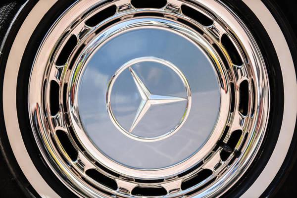 Wall Art - Photograph - 1968 Mercedes-benz 280 Sl Roadster Wheel Emblem -0925c by Jill Reger