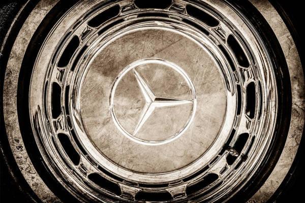 Wall Art - Photograph - 1968 Mercedes-benz 280 Sl Roadster Wheel Emblem -0925s by Jill Reger