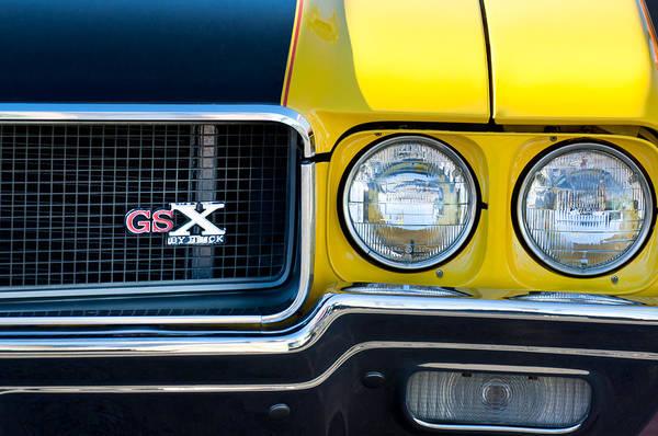 Hemi Photograph - 1970 Buick Gsx Grille Emblem by Jill Reger