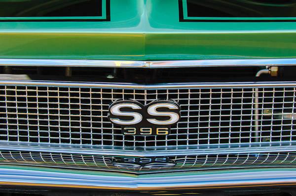 Chevy Chevelle Wall Art - Photograph - 1970 Chevrolet Chevelle Ss 502 Emblem by Jill Reger