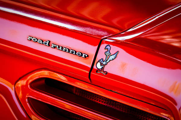 Road Runner Wall Art - Photograph - 1970 Plymouth Superbird Road Runner Emblem -1418c by Jill Reger