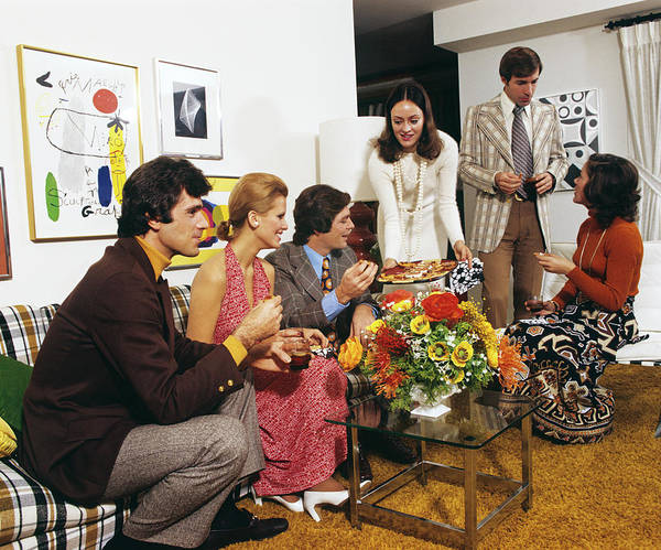 Social Living Wall Art - Photograph - 1970s Young Adult People At Home Party by Vintage Images