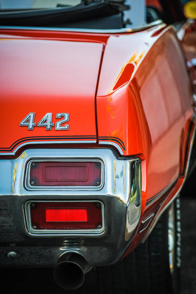 Wall Art - Photograph - 1971 Oldsmobile 442 Convertible Taillight Emblem -1683c by Jill Reger