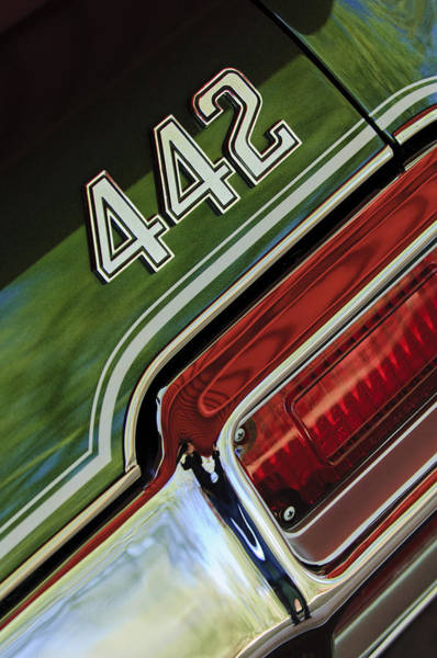 Photograph - 1971 Oldsmobile 442 Taillight Emblem by Jill Reger