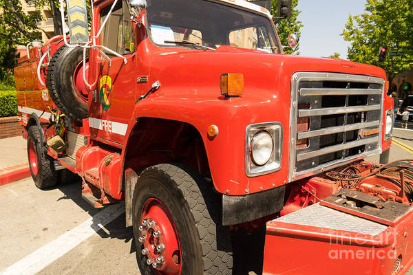 Photograph - 1982 International Cal Fire Engine Model 6 Dsc1413 by Wingsdomain Art and Photography