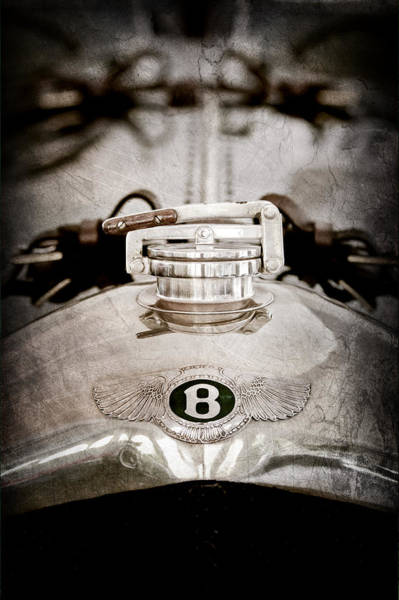 1925 Photograph - 1925 Bentley 3-liter 100mph Supersports Brooklands Two-seater Radiator Cap by Jill Reger