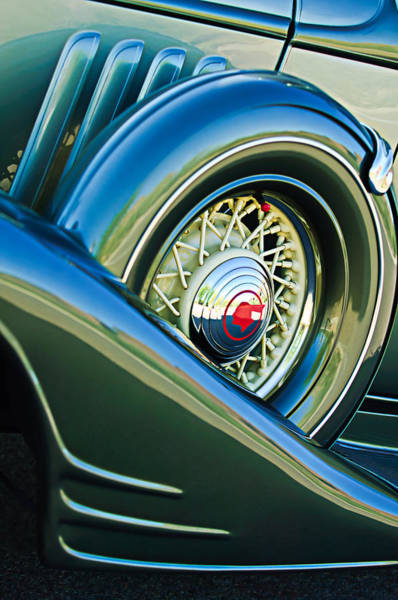 Photograph - 1933 Pontiac Spare Tire -0431c by Jill Reger
