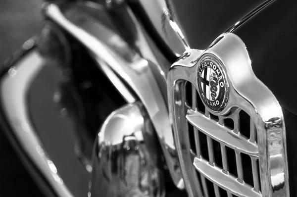 Photograph - 1961 Alfa Romeo Giulietta Spider Grille Emblem by Jill Reger