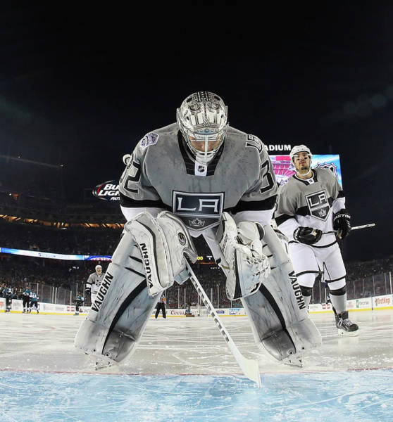 Nhl Players Photograph - 2015 Coors Light Stadium Series - Los by Bruce Bennett